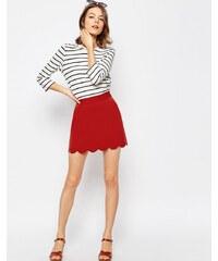 ASOS - Mini jupe trapèze à ourlet festonné - Rouge