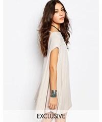 Rokoko - Ausgestelltes, rückenfreies T-Shirt-Kleid - Rosa