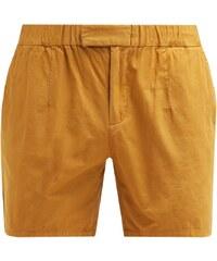 KIOMI Shorts dark yellow