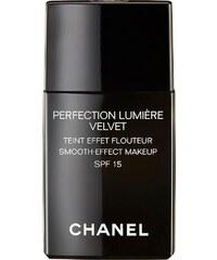 Chanel, »Perfection Lumière Velvet«, Fluid-Make-up