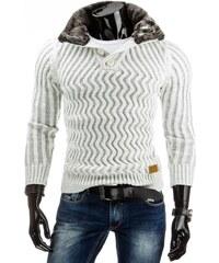 Bílý svetr se zatepleným límcem