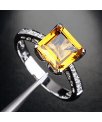 KLENOTA Zásnubní prsten s citrínem a diamanty