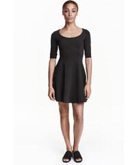 H&M Žerzejové šaty