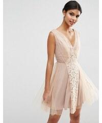 ASOS WEDDING - Robe de bal de fin d'année courte à empiècements en dentelle et tulle - Rose