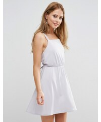 ASOS WEDDING - Robe courte en crêpe croisée dans le dos - Gris