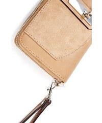 GUESS dámská peněženka Kingsley Cognac