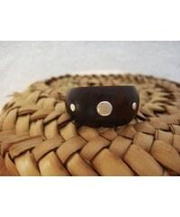 Dřevěný hladký prsten se stříbrnými puntíky