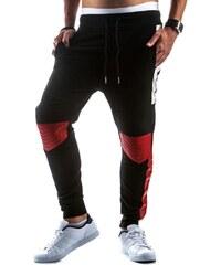Černé frajerské sportovní kalhoty s aplikací z červené EKO kůže