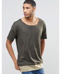 ASOS - Sehr langes T-Shirt in zweilagiger Optik mit Ziernaht und U-Boot-Ausschnitt - Grün