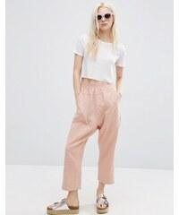 ASOS - Pantalon droit casual délavé - Rose