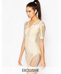 WOW Couture - Figurbetontes Bandagenkleid mit Laufmaschendesign - Beige