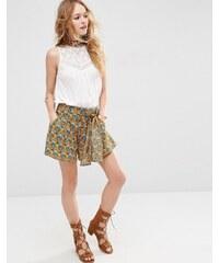 ASOS - Shorts aus Webstoff mit Retro-Blumenmuster und Schnürband - Mehrfarbig