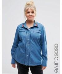 ASOS CURVE - Chemise américaine en jean avec col brodé - Bleu