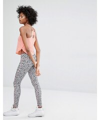 Noisy May - Kicks Back - Leggings mit Animalprint - Mehrfarbig