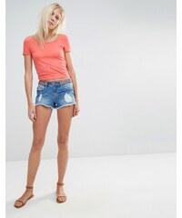 Vero Moda - Jeansshorts mit Stickerei an der Taille - Blau