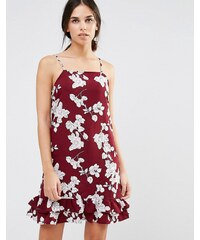 Daisy Street - Robe à ourlet plongeant avec imprimé illustrations de fleurs - Rouge