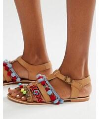 Glamorous - Sandales à pompon brodées - Fauve