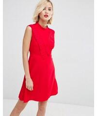 ASOS - Aline - Kleid mit plissierter Passe vorne - Rot