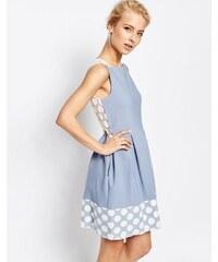 Closet London Closet - Kastenförmiges plissiertes Kleid mit gepunktetem Spitzensaum - Blau
