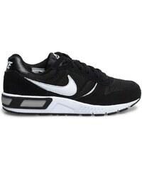baskets noires Nike