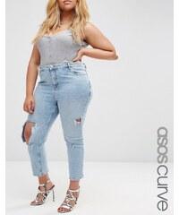 ASOS Curve - Thea - Girlfriend-Jeans in heller Daydrift-Waschung - Blau
