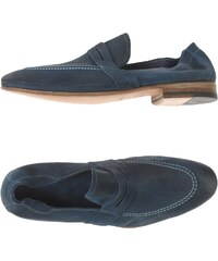 N.D.C. MADE BY HAND CHAUSSURES