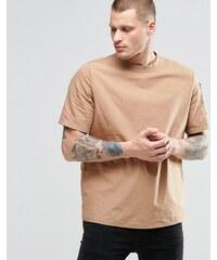 ASOS - Chemise à enfiler coupe classique avec poche sur une manche - Fauve - Fauve