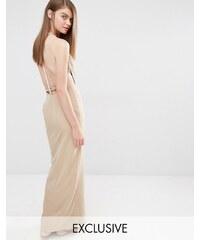 Fame and Partners - Robe longue épurée avec dos orné de perles fantaisie - Beige