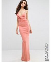 ASOS TALL - Robe longue asymétrique style caraco en crêpe à encolure bénitier - Rose