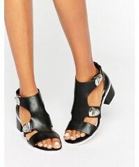 Eeight - Salma - Schwarze Sandalen mit Schnallen - Schwarz