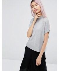 Monki - T-shirt en maille à encolure montante - Gris