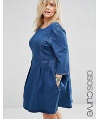ASOS CURVE - Jeans-Skaterkleid in verwaschenem Mittelblau - Blau