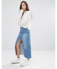 Pull&Bear - Mittellanger Jeansrock mit hohem Schlitz vorne - Blau
