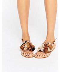Glamorous - Flache Sandalen mit Quasten in Gold-Bunt - Gold