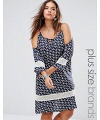 Diya - Robe grande taille à épaules dénudées avec inserts de crochet - Bleu