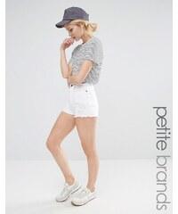Vero Moda Petite - Short en jean taille haute - Blanc - Blanc