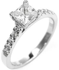 Eppi Zásnubní prsten s princess diamantem a bočními diamanty Dustin