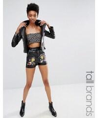 Glamorous Tall - Shorts aus Lederimitat mit Blumenstickerei - Kombiteil - Schwarz