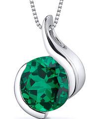Eppi Smaragd ve stříbrném náhrdelníku Tejomay