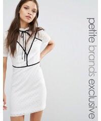 Fashion Union Petite - Gerrard - Robe fourreau avec empiècements contrastés et lien - Blanc