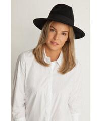Orsay Hut aus Wolle mit Details