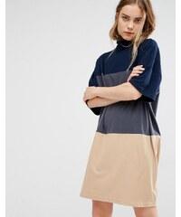 Paisie - Jerseykleid mit Rollkragenpullover und drei breiten Streifen - Mehrfarbig