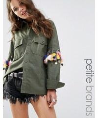 Glamorous Petite - Chemise fonctionnelle à pompons et pièces - Vert