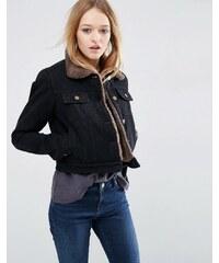 ASOS - Kurze schwarze Jeansjacke mit Futter aus Lammfellimitat - Schwarz