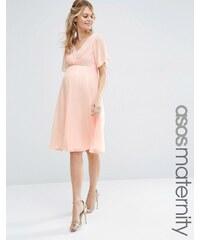 ASOS Maternity - Robe mi-longue plissée avec dentelle pour mariage - Rose