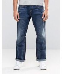 Jack & Jones - Jeans in legerer Passform und dunkelblauer Waschung - Schwarz