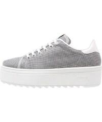 Victoria Shoes Baskets basses gris