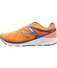 New Balance VAZEE PRISM Chaussures de running stables orange/grey