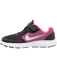 Nike Performance REVOLUTION 3 Chaussures de running neutres black/metallic silver/hyper pink/white