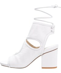 The Mercer N.Y. Sandales classiques / Spartiates white